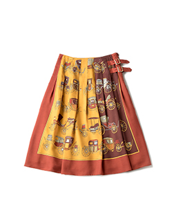 Hansom cabs wrapped skirt
